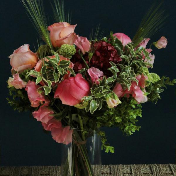 Bouquet d'amitié par votre artisan fleuriste à Versailles Arbre à Pivoines