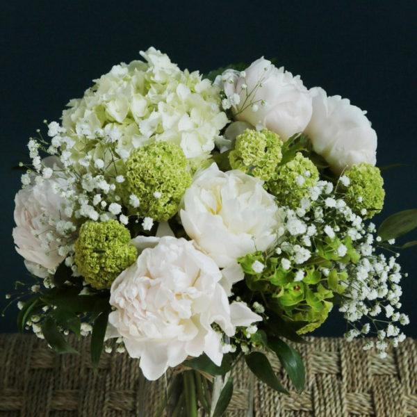 Bouquet de félicitations par votre artisan fleuriste à Versailles Arbre à Pivoines