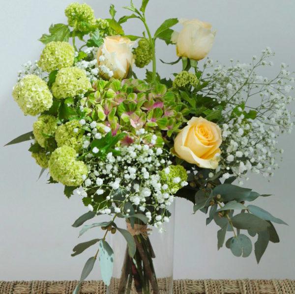 Bouquet de remerciements par votre artisan fleuriste à Versailles Arbre à Pivoines